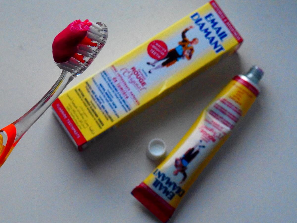 Pasta wybielająca do zębów najlepsza