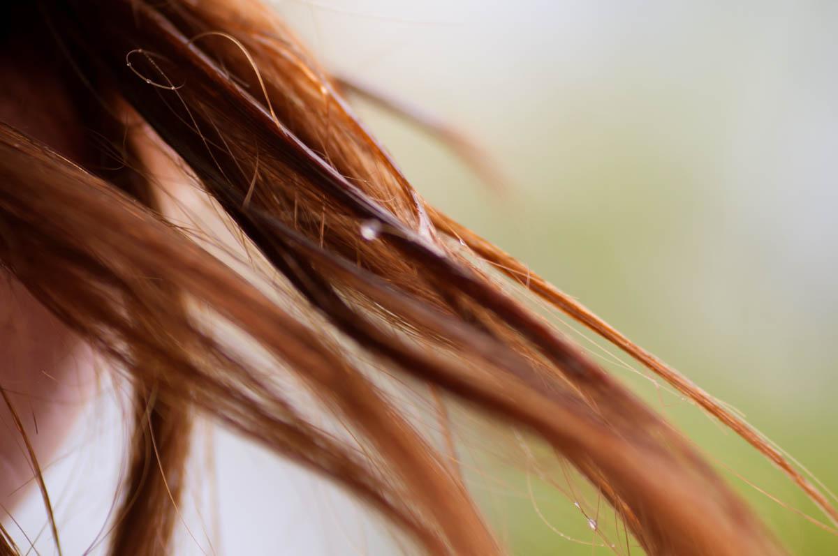Peeling skóry głowy – 5 przepisów, które zmienią Twoje włosy!