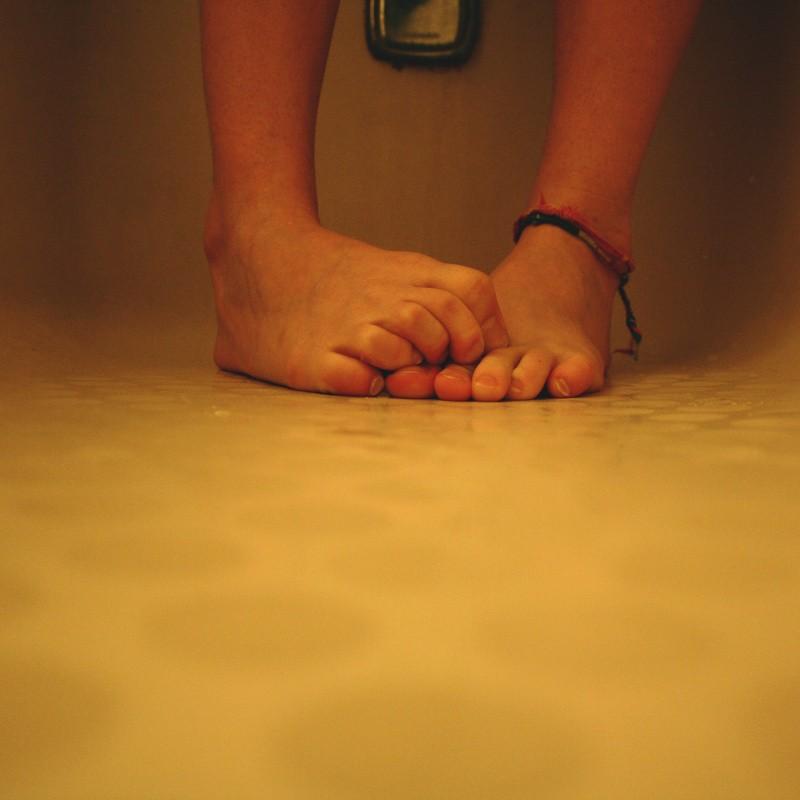 Śmierdzące stopy – niezawodne sposoby na zapach stóp Shreka!