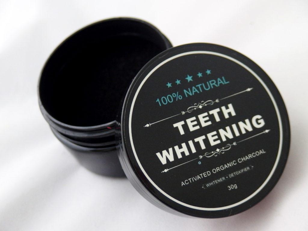 Halitoza węgiel wybielający zęby