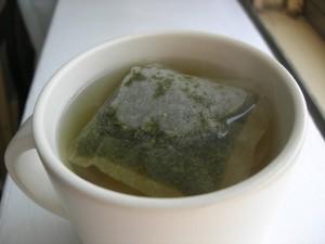 Filiżanka z zieloną herbatą