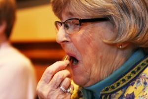 Malująca się babcia