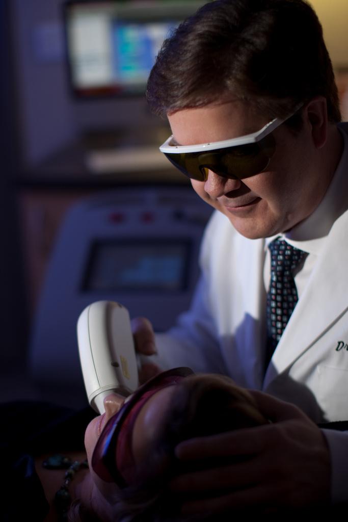 Depilacja laserowa ból