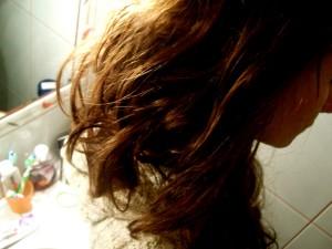 Nafta kosmetyczna na włosy jak używać