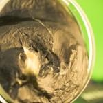 Czarne mydło peelingujące Savon Noir (Alepia) – recenzja, opinie i jak używać