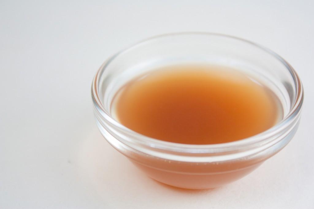 Tonik z octem jabłkowym na zaskórniki