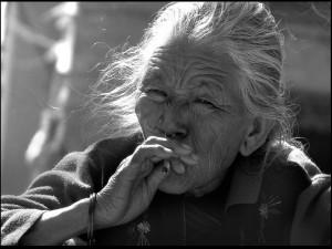 Zmarszczki palenie papierosów